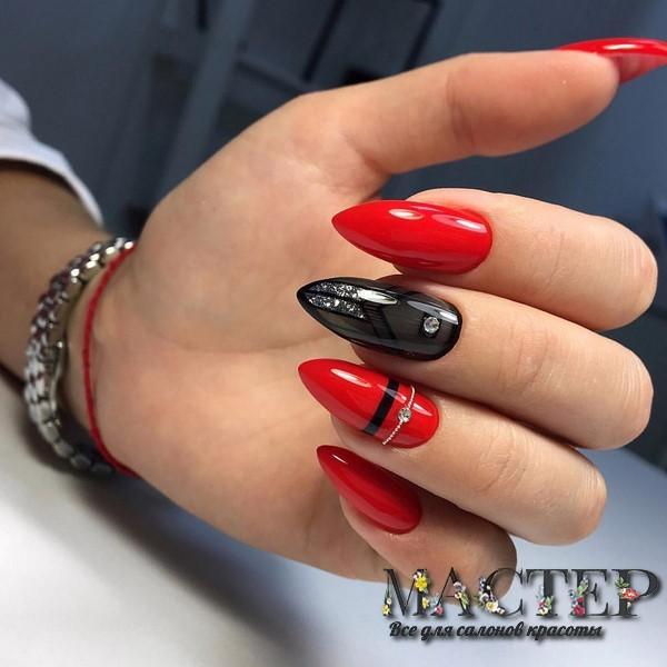 Сочетание черного с красным в маникюре